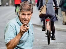 Ik durf geen fietsers te knijpen, zoals mijn wandelmaatje vaak doet