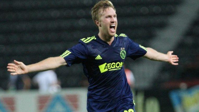 Rasmus Lindgren viert zijn doelpunt voor Ajax tegen Paok Thessaloniki. Foto ANP Beeld