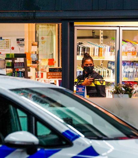 Eindhovens overvallertje (14) blundert zich twee keer de handboeien in en krijgt nu jeugd-tbs