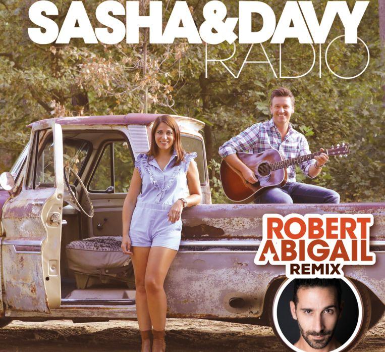 Een dj-set in Turkije leverde Sasha & Davy een remix op van wereld-dj Robert 'Moijto' Abigail.