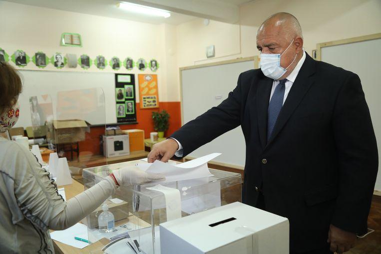 Premier Borissov brengt zijn stem uit. Beeld EPA