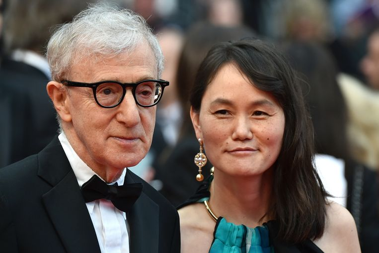 Woody Allen en Soon-Yi Previn, drie jaar geleden in Cannes. Beeld AFP