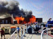 Vuurzee verwoest loods op Marker Wadden