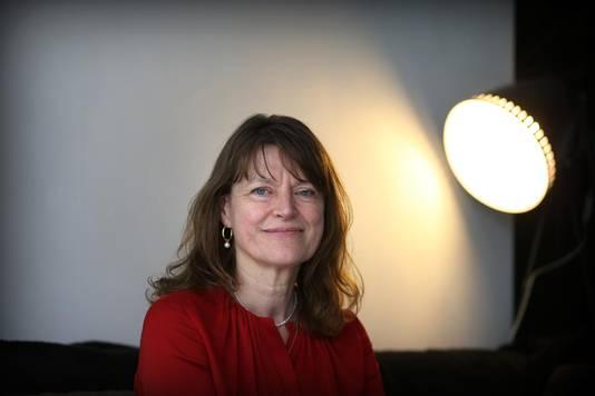Margrite Kalverboer:'Hulpverleners hebben een goede opleiding en de beste bedoelingen. Maar vanwege tijd en economische belangen gaat het snel en oppervlakkig.'