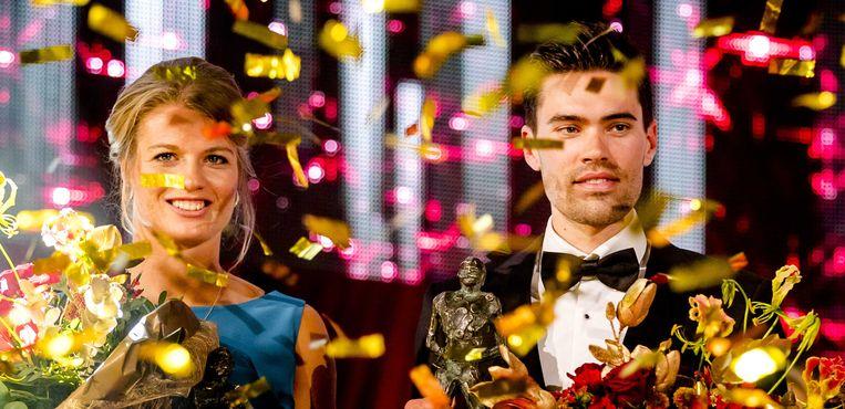 Wielrenner Tom Dumoulin en atlete Dafne Schippers werden dinsdag op het NOC*NSF Sportgala 2017 uitgeroepen tot sportman en -vrouw van het jaar.  Beeld ANP