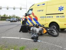 Automobilist draait op Dominee Martin Luther Kinglaan in Utrecht en ziet motorrijder over het hoofd