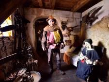 Ridder Len legt met zijn museumschip aan in Rijnhaven