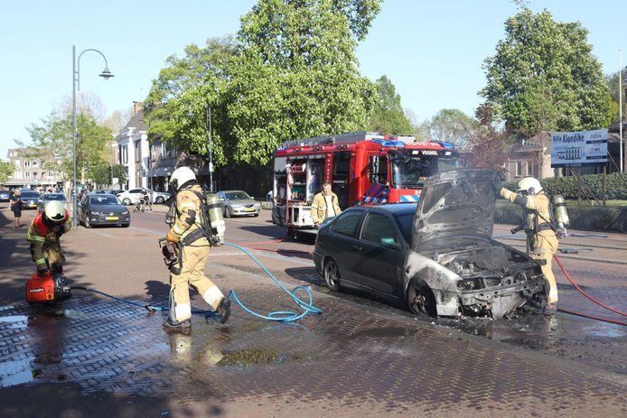 De auto was na de brand in Veghel total loss.