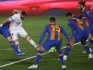 Le Real s'adjuge le Clasico, Benzema régale avec une Madjer géniale