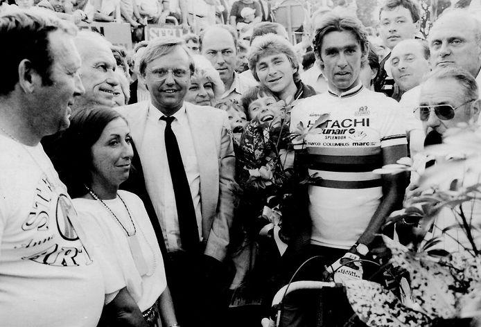 Orphale Crucke in 1984 met wereldkampioen Claude Criquielion op het criterium van Ronse.
