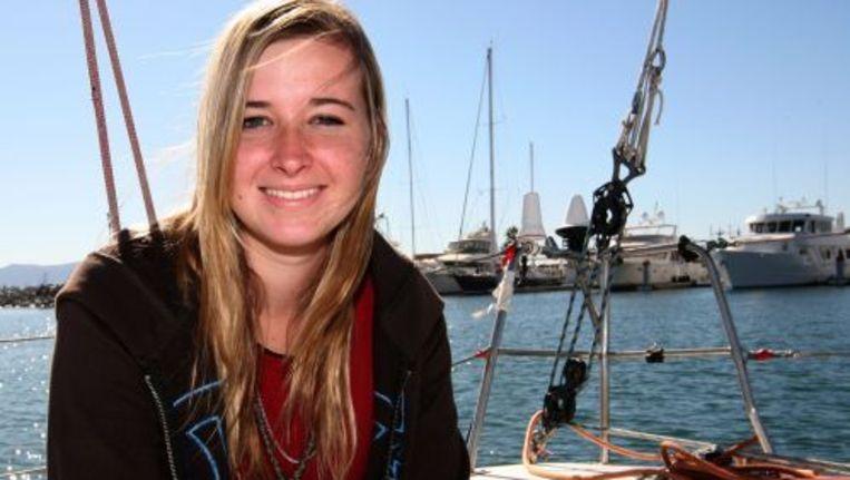 De geredde Amerikaanse zeilster Abby Sunderland (16) heeft zaterdag het verwijt van de hand gewezen dat zij te jong zou zijn om solo rond de wereld te zeilen. ANP Beeld