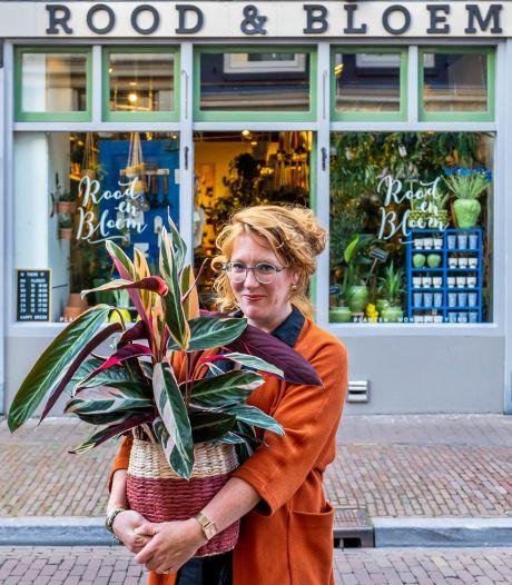 Opeens mag Carolien geen plant meer buiten voor de zaak zetten: 'Mensen vragen nu of ik dicht ben'