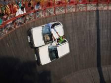 Bizarre stunts in het 'rad des doods'