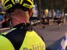 Fietsteam rijdt bromfietser (17) zonder rijbewijs klem na wilde achtervolging