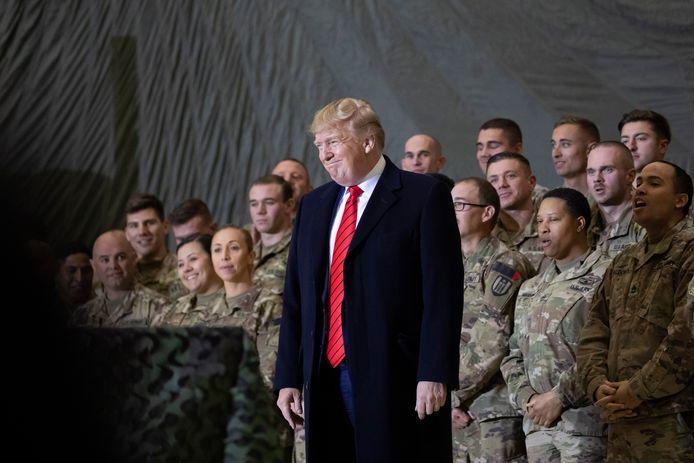 De Amerikaanse president Trump tijdens een verrassingsbezoek aan de luchtbasis Bagram in Afghanistan. Archiefbeeld.