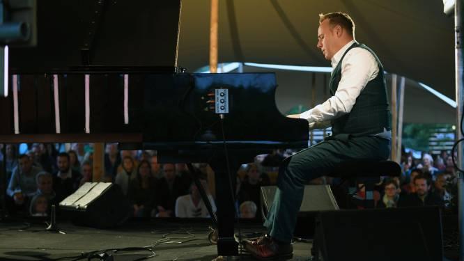 """Affiche Kampvuurconcerten aan Kasteel van Horst is compleet: """"Een concert om 7 uur 's ochtends spreekt toch tot de verbeelding"""""""