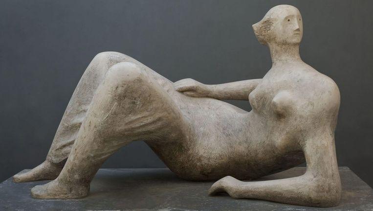 De beelden die in de museumtuinen te zien zullen zijn, zijn voluptueuze vrouwen die liggen te luieren. Beeld anp