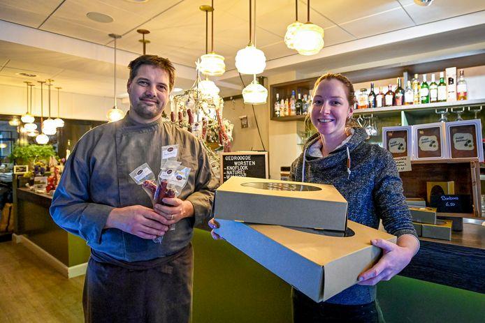 Restauranteigenaren Maarten en Josephine Hamel zijn blij met de reddingsactie voor hun varkens.