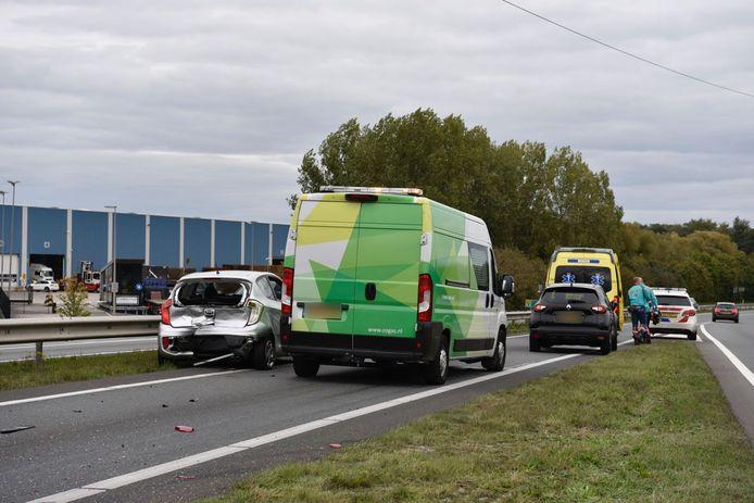 Een beeld van één van de vele ongelukken op de N36, in dit geval tussen Almelo en Wierden.