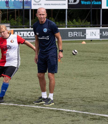 Graafschaptrainer Robbemond geeft G-spelers een vip-training: 'Geweldig'