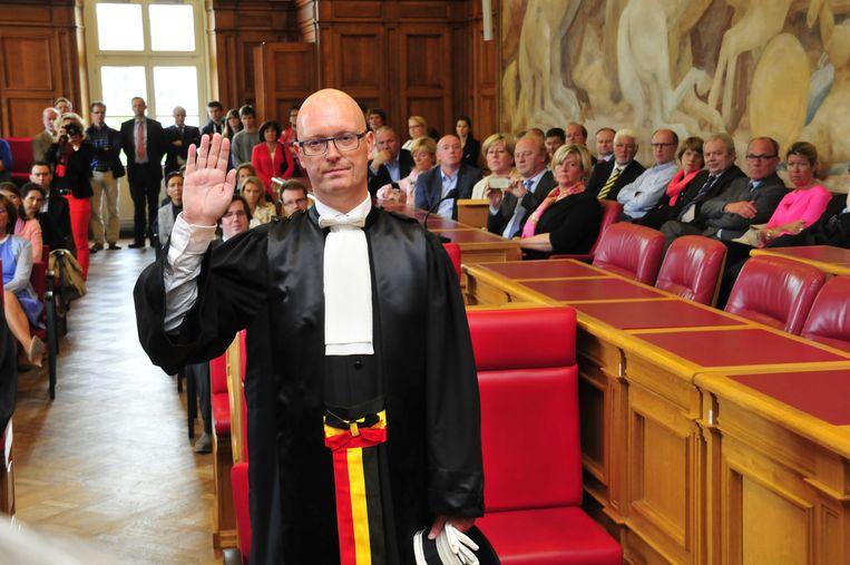 Johan Sabbe tijdens zijn eedaflegging als procureur des Konings. Beeld JVK