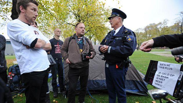 Occupy Museumplein kreeg van burgemeester Van der Laan geen toestemming 's nachts te bivakkeren. © anp