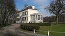 De monumentale witte villa uit 1854 op landgoed Mattemburgh is zondag bij uitzondering open voor het publiek.