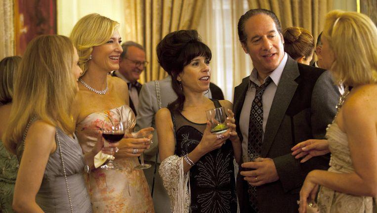 Cate Blanchette, Sally Hawkins en Andrew Dice Clay in een scène uit de film 'Blue Jasmine' van Woody Allen. Beeld ap