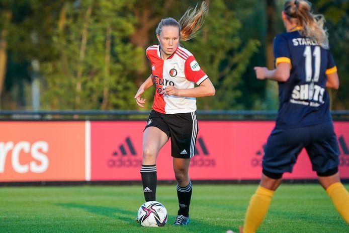 Robine de Ridder maakt zich met Feyenoord op voor het debuutseizoen in de eredivisie.