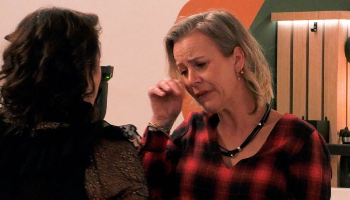 Daniëlle in tranen in 'Big Brother'.