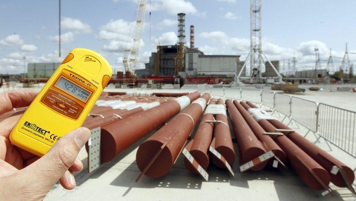 Een stralingsmeting aan de kerncentrale van Tsjernobyl in april 2012.