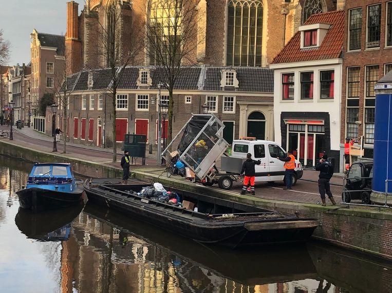 Amsterdam is begonnen met het afvoeren van afval over water.  Beeld Gemeente Amsterdam