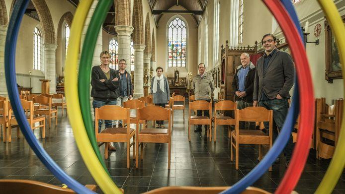 Deze zijbeuk van de kerk van Dranouter wordt een turnzaal.
