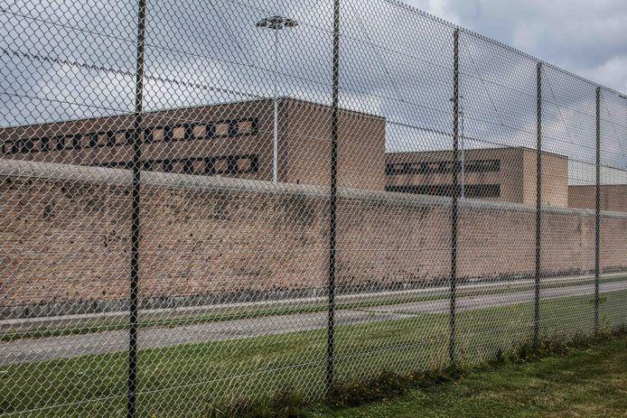 De beklaagde werd betrapt in de Brugse gevangenis.