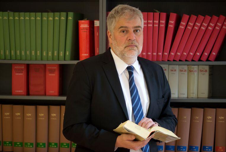 Alexander Hübner, de advocaat van de terreurverdachte. Beeld AFP