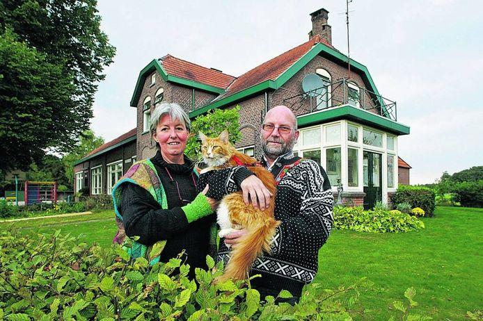 Jo An Luijken kwam met haar man Thijs Lagendijk in 2008 in het Schoolmeistershuus van basisschool De Veldhoek wonen om meer ruimte te hebben voor Wolhalla.