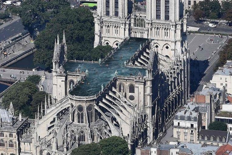 Architectenbureau UMA lanceerde het gewaagde plan om het dak van de Notre-Dame te verbouwen tot een openbaar zwembad. Beeld null