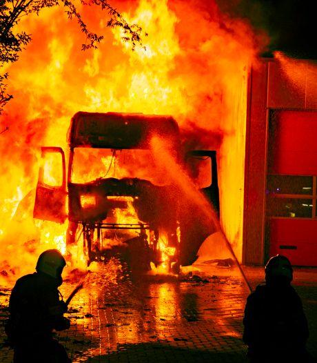 Brandstichting waarbij slapende chauffeur uit Twenterand ernstig gewond raakte was 'opdracht concurrent'