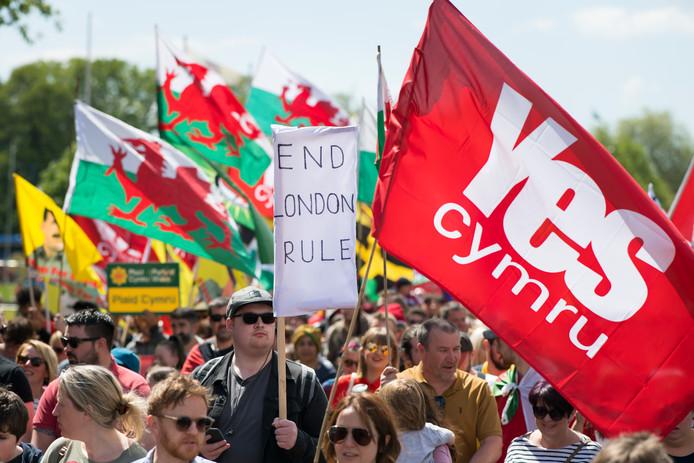 Betogers van de eerste Welshe onafhankelijkheidsmars in de geschiedenis.