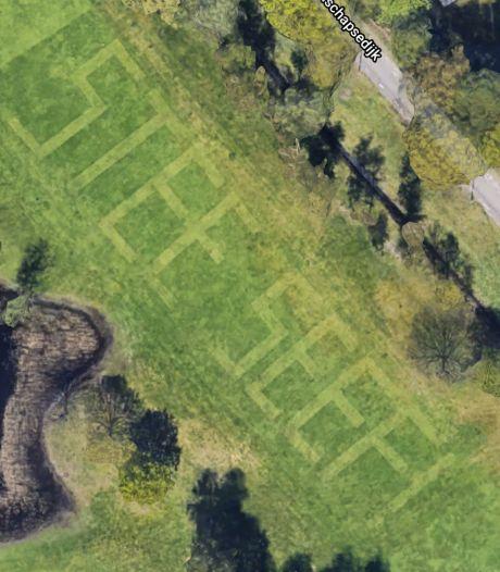 Google ziet alles, zelfs de gemaaide boodschap op Golfbaan Welschap