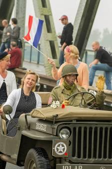 Herdenking van bevrijding wordt nagespeeld met 250 voertuigen