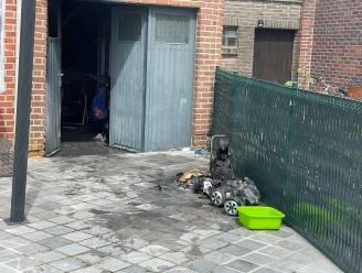 Buurman trapt garagepoort in om brand te blussen in Deerlijk