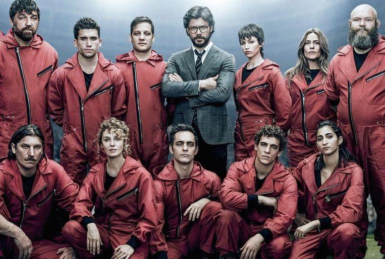 Hun iconische rode pakken bergen ze voorgoed op want een zesde seizoen zit definitief niet in de pijplijn.  Beeld Photo12 via AFP