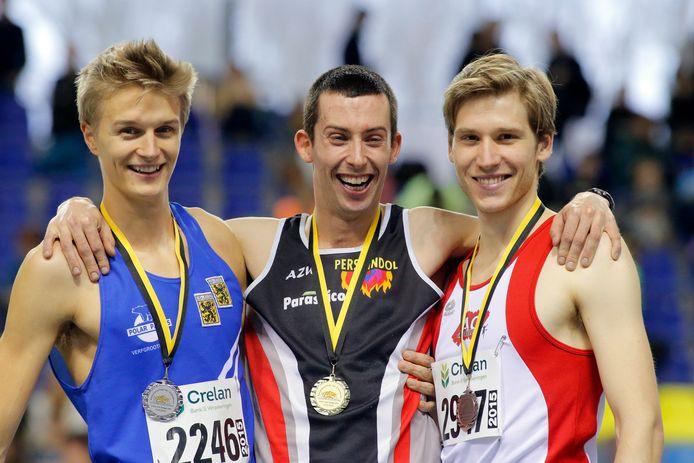 Hans Omey in 2015 met een Vlaamse indoortitel  op de 800m in Gent.