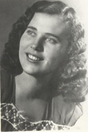 Moeder Lili Köhalmi in de jaren na de Tweede Wereldoorlog, toen ze haar grote liefde Emiel de Boevere leerde kennen.