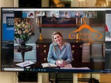 Máxima bewijst: een verzorgd kapsel is bij een videocall belangrijker dan ooit