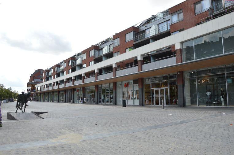 Het Niniaplein aan Shopping Center Ninia in de Centrumlaan in Ninove.