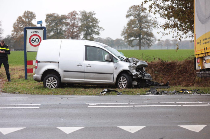 De schade aan de auto. Foto: News United / Bert Kamp