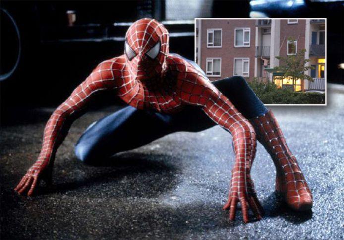 Superheld Spiderman kent vele copycats, zoals afgelopen vrijdag in Apeldoorn. Inzet: Luciano de Graaf.