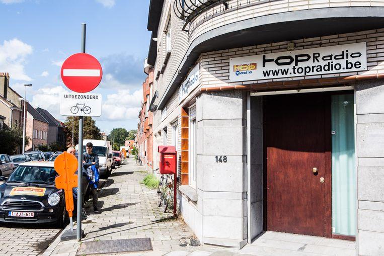 De studio van TOPradio in Gent.  Beeld Thomas Legreve